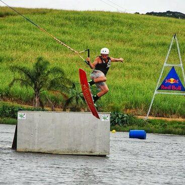 learn-tricks-on-wakeboard